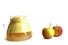Selbst gemachter frischer Saft von den Äpfeln Lizenzfreies Stockbild