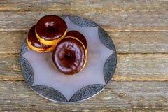 Selbst gemachter glasig-glänzender Autumn Pumpkin Donuts Ready zu essen Lizenzfreie Stockfotos