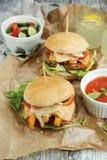 Selbst gemachter Hamburger Lizenzfreies Stockfoto