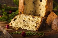 Selbst gemachter Panettone-Frucht-Kuchen lizenzfreie stockbilder