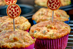 Selbst gemachter Pizza-Muffin-Snack Stockfoto