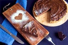 Selbst gemachter Schokoladenkäsekuchen stockbilder