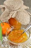 Selbst gemachter Tangerinestau oder -marmelade lizenzfreie stockfotografie