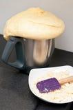 Selbst gemachtes Brot vom Küchenroboter Lizenzfreie Stockfotografie