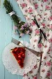 Selbst gemachtes Erdbeeretörtchen Stockfotos