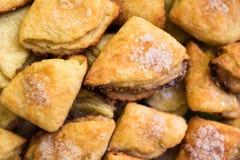 Selbst gemachtes Gebäck backte Nachtisch mit Hüttenkäse und Zucker Stockfoto