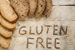 Selbst gemachtes Gluten geben Brot frei Lizenzfreie Stockfotografie