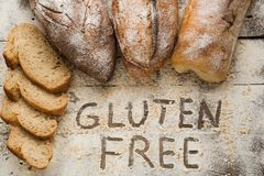 Selbst gemachtes Gluten geben Brot frei Stockbilder