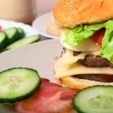 Selbst gemachtes Hamburgerdetail Stockbild