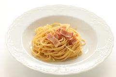 Selbst gemachtes italienisches Lebensmittel, Carbonara-Spaghettis Stockfoto