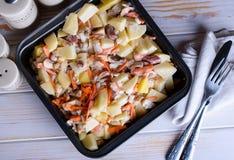 Selbst gemachtes köstliches Mittagessen von den frischen Nahrungsmitteln stockbild