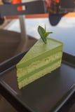 Selbst gemachtes Lebensmittel des Käsekuchens des grünen Tees Stockfotos