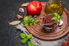 Selbst gemachtes Tomatensauce adjika Lizenzfreie Stockfotografie
