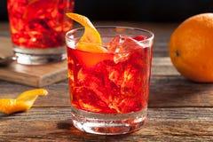 Selbst gemachtes versoffenes Negroni-Cocktail lizenzfreie stockfotografie