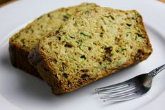 Selbst gemachtes Zucchini-Brot Stockfoto