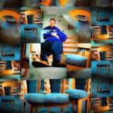 Selbstportrait mit Stuhl Stockfoto