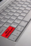 Selbstzerstörung-Computer-Laptop Lizenzfreie Stockfotos