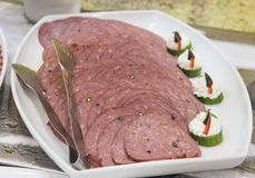Selction των κρύων τροφίμων σαλάτας κρέατος σε έναν μπουφέ εστιατορίων Στοκ φωτογραφία με δικαίωμα ελεύθερης χρήσης