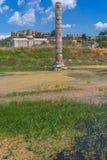 SELCUK, TURQUÍA - 3 DE MAYO DE 2015: Ruinas del templo famoso de Artemis Ephesus Foto de archivo