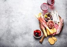 Seleção da carne e dos aperitivos fotografia de stock