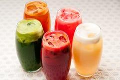 Seleção de bebidas longas dos frutos Fotografia de Stock Royalty Free