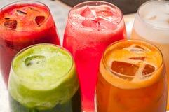 Seleção de bebidas longas dos frutos Imagens de Stock
