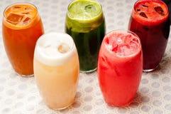 Seleção de bebidas longas dos frutos Fotos de Stock