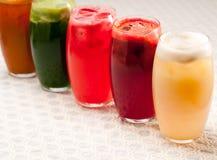 Seleção de bebidas longas dos frutos Fotografia de Stock