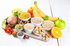 Seleção de boas fontes dos hidratos de carbono Dieta saudável do Vegan imagem de stock