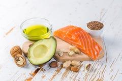 Seleção de boas fontes gordas - conceito saudável comer Conceito Ketogenic da dieta foto de stock