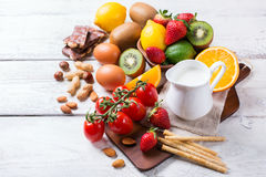 Seleção do alimento da alergia, conceito saudável da vida Fotos de Stock