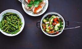Seleção do alimento saudável em um fundo preto imagem de stock
