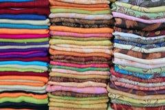 Seleção do lenço de Pashmina fotos de stock royalty free