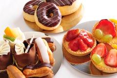 Seleção fresca da pastelaria imagem de stock royalty free