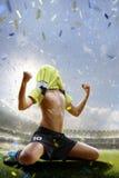 Selebration zwycięstwo w dziecko meczu piłkarskim Zdjęcia Stock