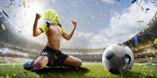 Selebration zwycięstwo w dziecko meczu piłkarskim Obrazy Stock