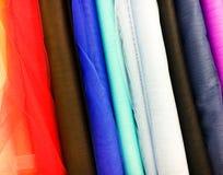 Selección colorida de las telas Foto de archivo