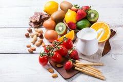 Selección de comida de la alergia, concepto sano de la vida Fotos de archivo