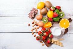 Selección de comida de la alergia, concepto sano de la vida Imágenes de archivo libres de regalías