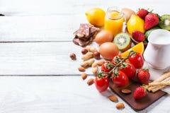 Selección de comida de la alergia, concepto sano de la vida Foto de archivo libre de regalías