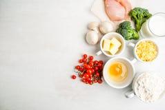 Selección de ingredientes para la quiche Lorena Foto de archivo libre de regalías
