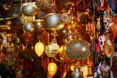 seleccin de lmparas en mercado marroqu en marrakesh marruecos imagen de archivo libre de