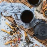 Selección de tetera herbaria china japonesa del té del masala Fotos de archivo