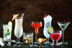 Selección de bebidas festivas de la Navidad Imagenes de archivo