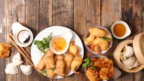 Selectie van Aziatisch voedsel stock afbeeldingen