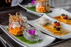 Selectie van desserts bij een gerichte gebeurtenis royalty-vrije stock foto