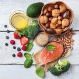 Selectie van gezond voedsel voor hart, het levensconcept stock afbeelding