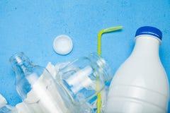 Selectie van huisvuil voor recycling Exemplaarruimte voor tekst stock afbeelding