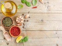 Selectie van kruiden en kruiden stock foto