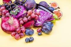 Selectie van purper voedsel stock foto's